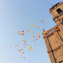ハートの風船を皆で飛ばしました。
