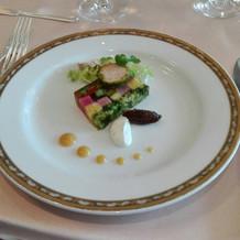前菜のフォアグラと旬野菜のテリーヌ