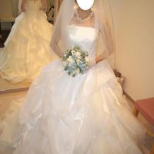 挙式用ウェディングドレス衣装