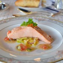 お魚料理も上品で美味しい
