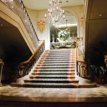 この階段で写真撮ったら素敵かと!