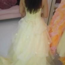 フォーシス&カンパニーのドレス