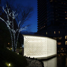 チャペル外側(夜撮影)ライトアップが幻想