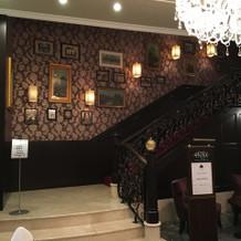 会場へ上がる階段