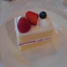 デザートはウェディングケーキ