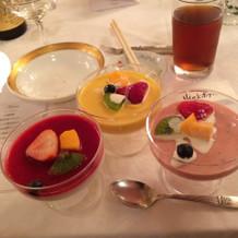 デザートは4種類くらいのプリンやムースw