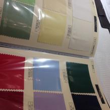 テーブルクロスの色もいろいろあります