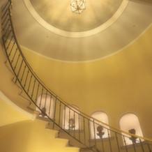 ロビーの螺旋階段も素敵です