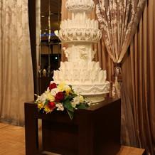 入刀用のケーキ