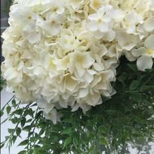 チャペルの装花はボリュームありました