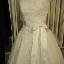 刺繍が素敵なドレス