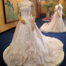 ドレス展示1