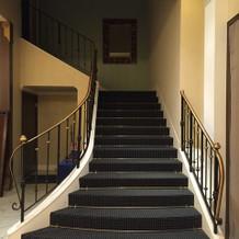 一度見て一目惚れした披露宴会場の階段!