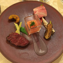 特選牛のフィレ肉と松坂豚の低温調理