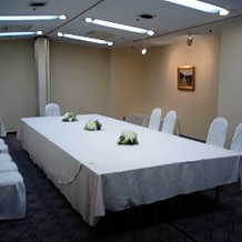 会議室のような会場