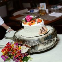 ケーキカット用のハートのケーキ