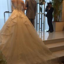 ウエディングドレスの後ろ姿です。