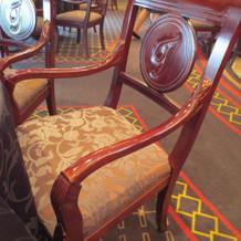重厚感のある椅子です
