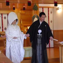 紋付き袴と白無垢