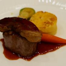 フォアグラと牛フィレのステーキ