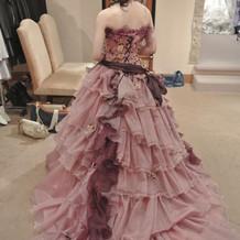 ピンクドレス 背面