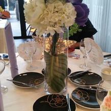 各デーブルも自由に飾れます。