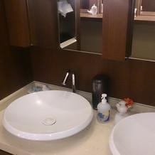 高級ホテルのような化粧室でした!