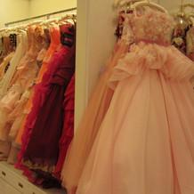 カラードレスも豊富