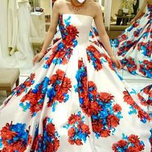 蜷川実花モデル、カラードレス
