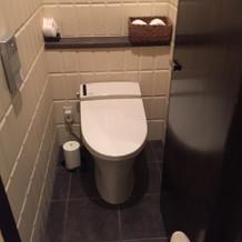 トイレは少し狭い
