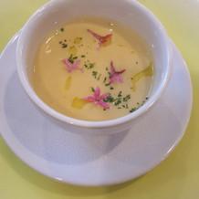 甘めのスープで花が華やか