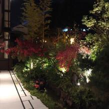 披露宴会場のお庭2