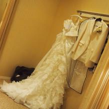 ドレスはプラン内、タキシードは+2万円