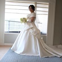 憧れのエリ松居のドレス