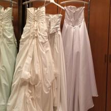 3着のウェディングドレス。