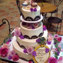 ケーキ装花も好きな色でお願いしました