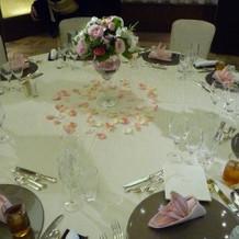 テーブルのお花も綺麗