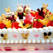 うさぎのウエディングケーキ