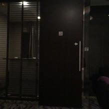 喫煙室入り口