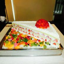 リクエストした巨大ショートケーキ風ケーキ