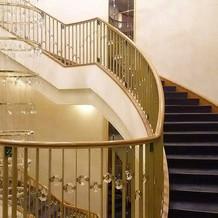 吹き抜けの階段は写真には絶好のポイント