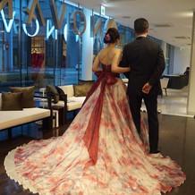 選んだカラードレス。