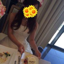 ケーキをカットしてもらいました