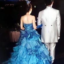 光沢のある素敵なドレス