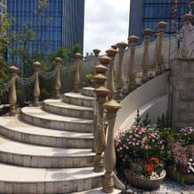 ガーデンセレモニーの階段