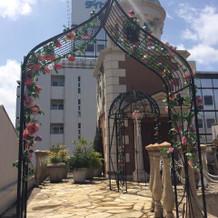 ガーデンセレモニーの鐘