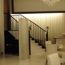 入場用の階段