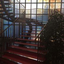 螺旋階段を登ってチャペルへ