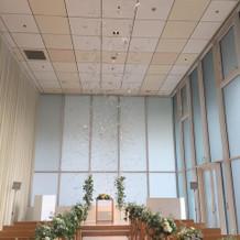 天井が高くて開放感があります