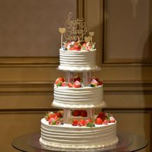 ウェディングケーキ 3段